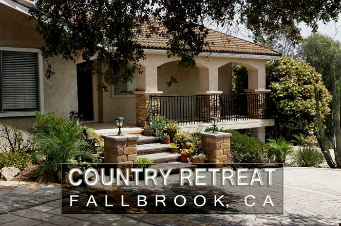 Fallbrook vacation rental front steps